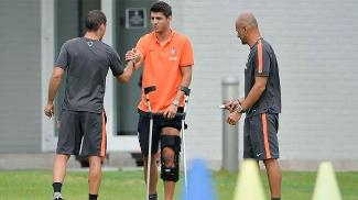 a6caf407b3124 Morata apareceu no treino da Juventus desta terça-feira com proteção no  joelho esquerdo