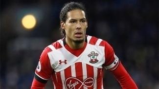 Virgil van Dijk defende o Southampton desde 2015