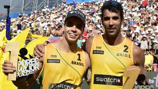 Pedro e Guto comemoram na Suiça