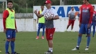 Beto Campos estreia no Náutico diante do Goiás