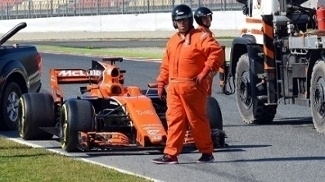 Como McLaren e Honda gastam bilhões para ter um dos piores carros da F-1 em 2017