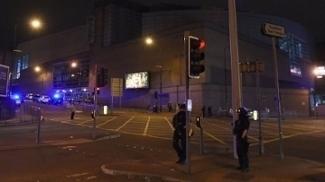 Atentado na Manchester Arena durante show de Ariana Grande deixou 22 mortos