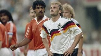 Rijkaard Voller Holanda Alemanha Copa 1990