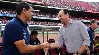 Carille e Ceni se cumprimentam em jogo da primeira fase do Paulista