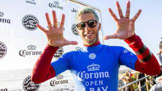 Filipe Toledo, o Filipinho, venceu etapa de Jeffreys Bay do Mundial de surfe