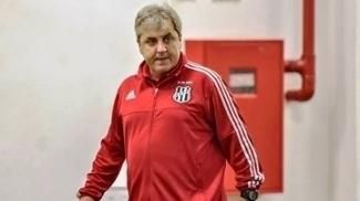Técnico Gilson Kleina pede final do Paulista no Moisés Lucarelli e equipe com os pés no chão