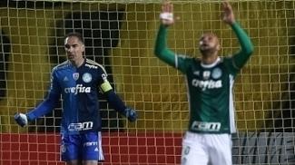 Fernando Prass e Felipe Melo celebram vitória do Palmeiras antes da confusão com Peñarol