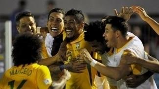 Na seleção de Tite, Paulinho só chuta menos que Neymar e é 2º em desarmes