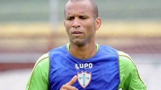 Zagueiro Valdomiro pediu apoio da torcida no Canindé