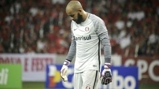 Danilo Fernandes voltou ao gol do Internacional mesmo sem condições ideias