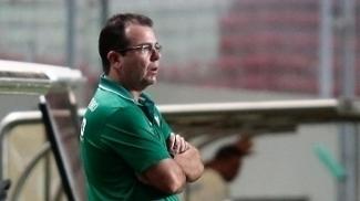 Enderson Moreira durante jogo do América-MG contra o Atlético-PR