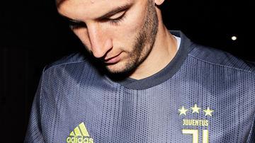 Juventus capricha em camisa 3 para a próxima temporada