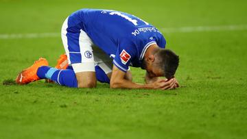 20 rodadas sem vitória, jogador com camisa de rival e renúncia de presidente: Schalke vive crise sem fim antes de clássico
