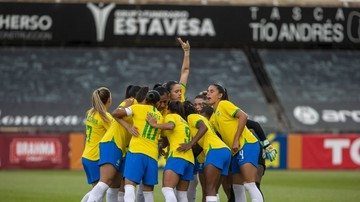 É lindo ver a energia contagiante da seleção feminina nos bastidores, mas contra o Canadá faltou a alegria do futebol brasileiro!