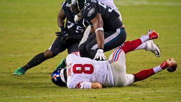 Daniel Jones não tem apoio no ataque – mas precisa cuidar da bola e se ajudar