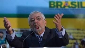 Cartola impugnado se autointitula presidente e cria seu próprio STJD