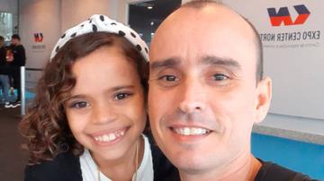 Amor que vem de berço: com apenas 9 anos, Clara já é apaixonada por fisiculturismo