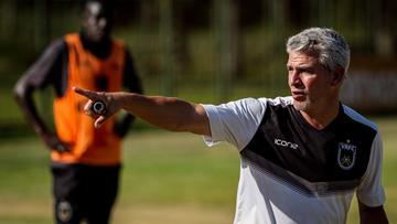 De pagodeiro a líder do Cariocão: Ex-Playboys do Samba, técnico do Volta Redonda comemorou classificação às semifinais cantando!