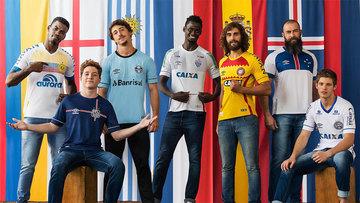 Santos, Grêmio, Cruzeiro, Chapecoense, Bahia, Atlético-PR e Avaí ganham camisas em homenagem a Copa; veja!