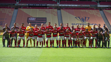 Com Diego Alves decisivo, Flamengo é bicampeão da Supercopa do Brasil contra o Palmeiras em melhor jogo do ano!