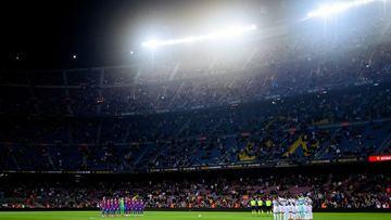 Com Piqué de centroavante e 54 cruzamentos na área, Barcelona empatou em casa com o Granada