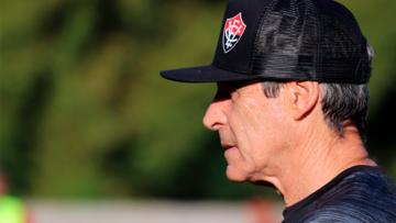 Um Carpegiani cada vez mais 'educador' no futebol
