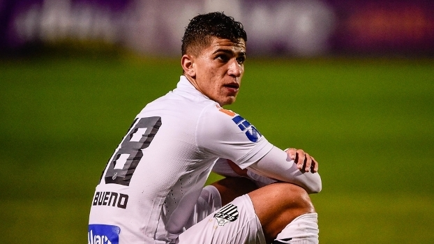 5292ff405b Vitor Bueno durante jogo do Santos contra o Vitória