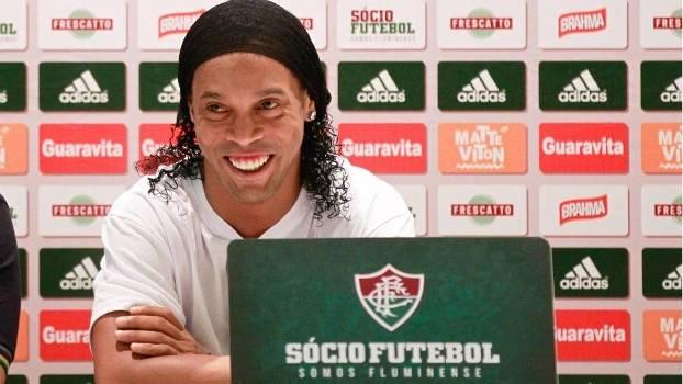 2d68262a68 Ronaldinho se disse motivado e emocionado pela recepção da torcida do  Fluminense