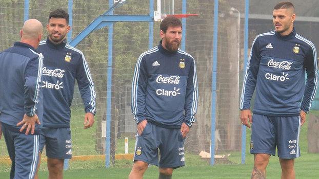 Argentina precisa que jogadores se potencializem contra o Uruguai, diz Sampaoli