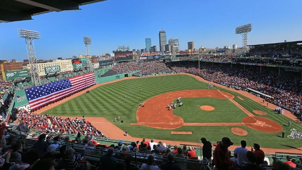 Fenway Park, casa do Boston Red Sox, em um Opening Day