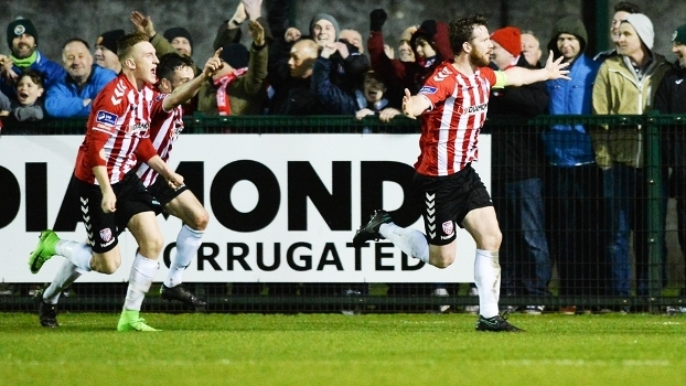 Ryan McBride Comemora Gol Derry City Dundalk Campeonato Irlandes 13/03/2017