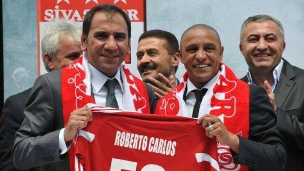 Roberto Carlos na apresentação ... a036a44192d2e