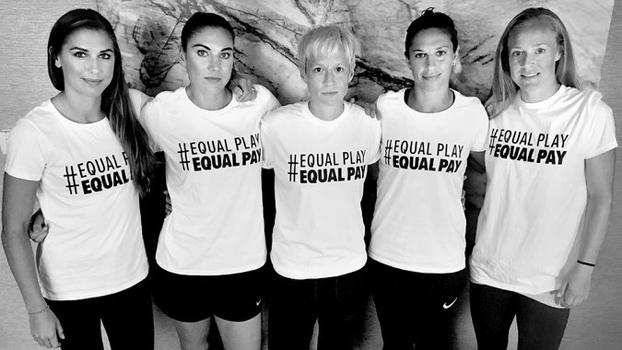 Jogadoras da seleção feminina dos EUA fazem campanha por salários iguais aos dos homens