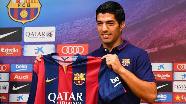 Luis Suárez foi apresentado pelo Barcelona em outubro de 2014