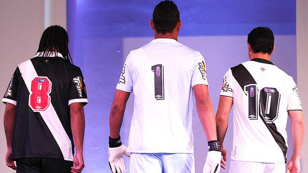 Vasco muda de uniforme e assina com parceira da Diadora no Brasil ... ab08aa54a43a8