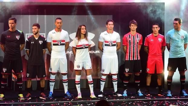 08c1b1b70d Jogadores do São Paulo na apresentação dos uniformes da Under Armour