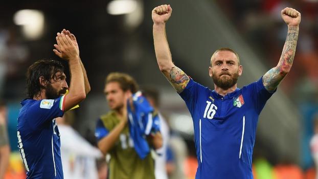 Itália gosta da bola e sabe sofrer. As notas da estreia vitoriosa ... 26d5b711527