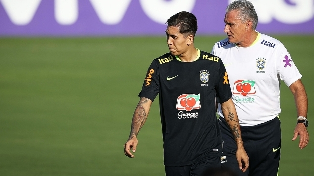 f7fc54d387 Roberto Firmino treinou entre os titulares nesta terça-feira pela Seleção