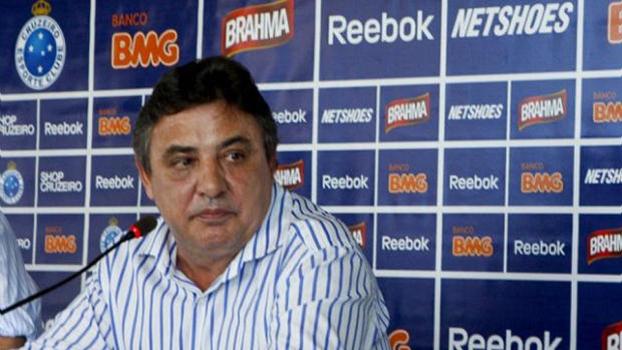 7771cafdc3 Ministro convida filho de ex-presidente do Cruzeiro para secretário do  futebol
