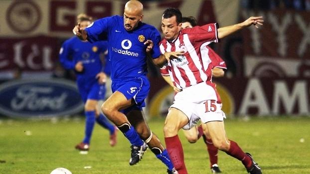 Edu Dracena Olympiacos Veron Manchester United Champions 23/10/2003