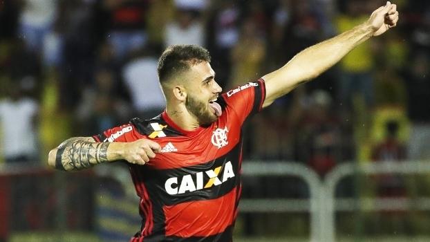 Felipe Vizeu Comemora Gol Flamengo Resende Campeonato Carioca 18/03/2017