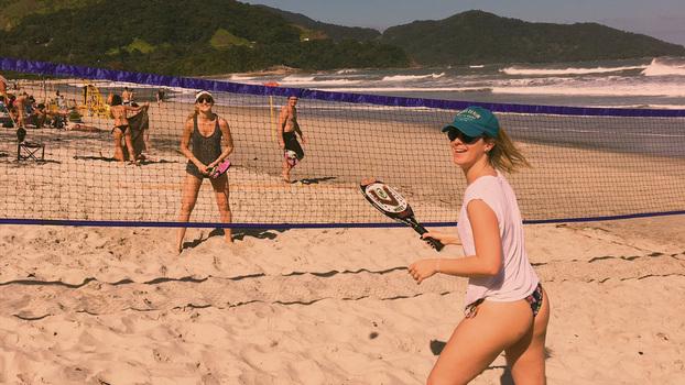 be04f766372 700 calorias aula e  praia  sem sair da capital  beach tênis