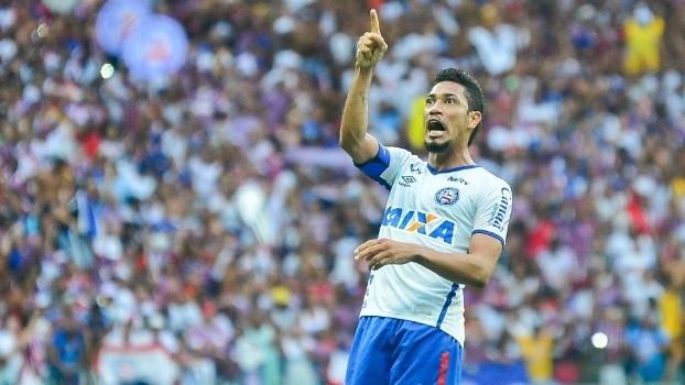 Hernane enfrenta as críticas da torcida e também nos bastidores do Bahia