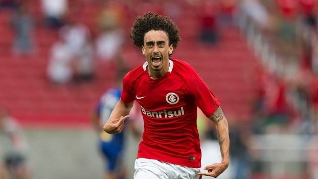 Valdivia entra na mira do Porto e pode deixar o Internacional