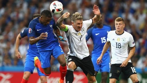 Tá tranquilo, tá favorável! Com funk brasileiro, França bate Alemanha e vai à final