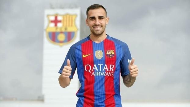 Paco Alcácer já posou com a camisa do Barcelona