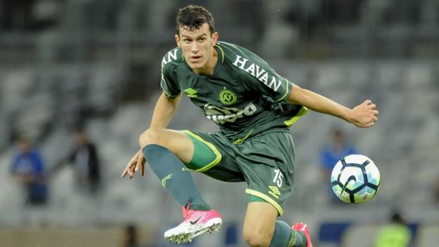 Nathan rescinde com a Chape, e Palmeiras acerta empréstimo a clube suíço