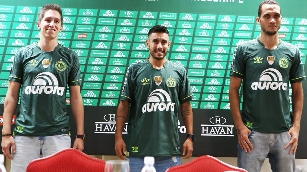 8104c3719c Chapecoense Nova Camisa Libertadores 16 03 2017 Umbro