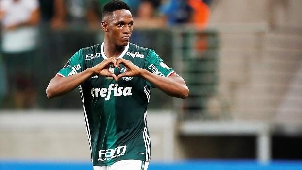 Jailson amplia recorde no Palmeiras, mas leva 3º amarelo e está suspenso