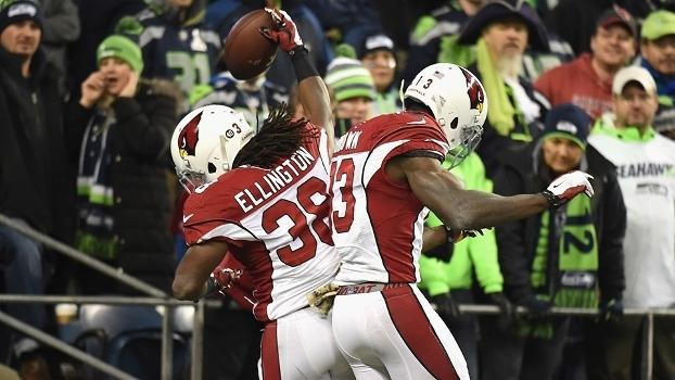 e5fe43a7b3 Jogadores do Arizona Cardinals comemoram vitória sobre o Seattle Seahawks
